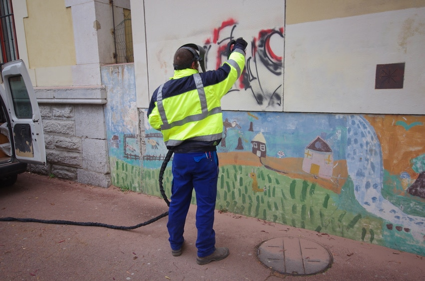 24 hour graffiti removal services london